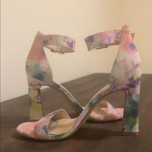 Vince Camuto Acelyn Floral Embossed Leather Sandal